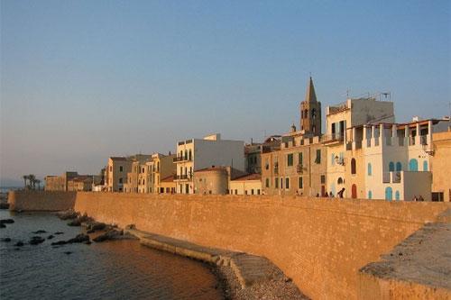 Blick auf Alghero, Sardinien